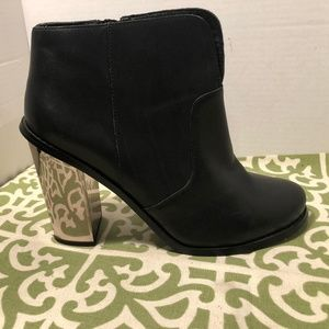 Chinese Laundry Raylin Ankle Bootie
